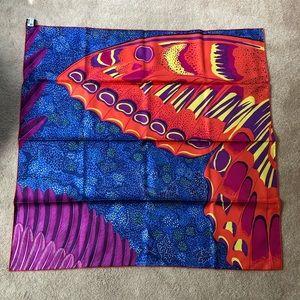 NWT Hermès silk l'esprit de la foret scarf